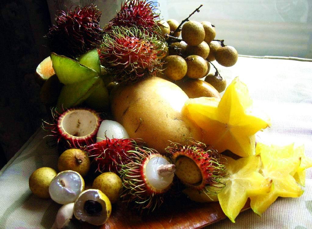 http://fruit-island.ru/images/upload/экзотические-фрукты-на-столе.jpg