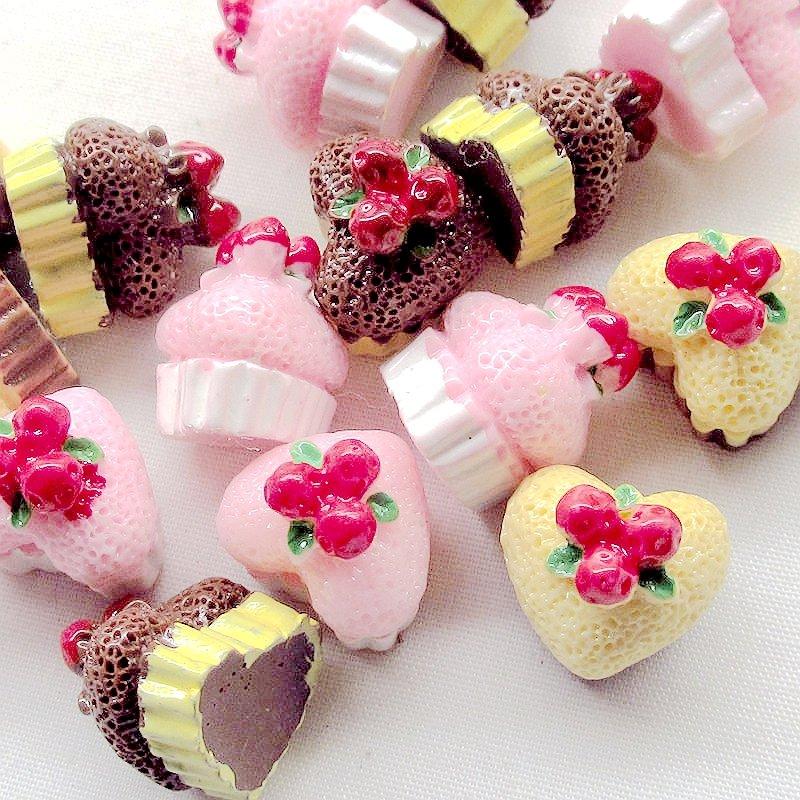 http://fruit-island.ru/images/upload/15-шт-Смола-Flatbacks-День-Рождения-Торты-Клубника-и-Крем-и-Шоколад.jpg